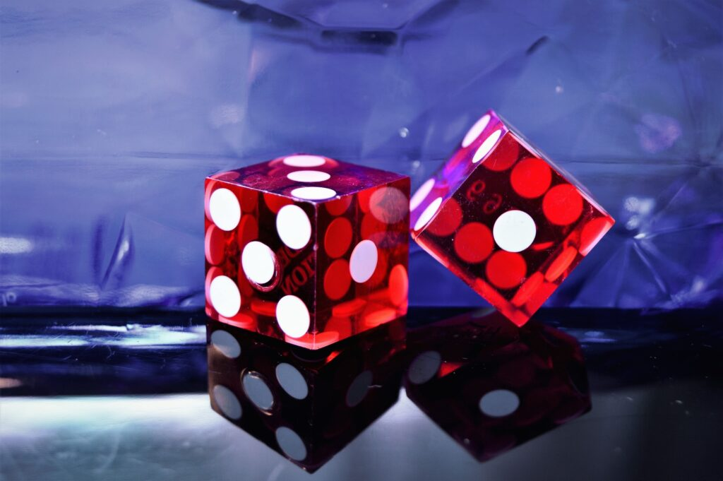 betting dice red square
